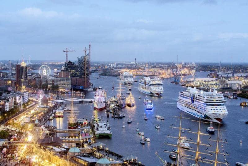 Гамбург. Праздник в честь дня рождения гавани